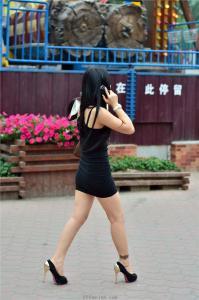 [户外街拍] 2013.09.11 超黑短裙包臀高跟美女