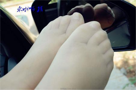[户外街拍] 2013.09.10 碧玉车内黑高肉丝精拍